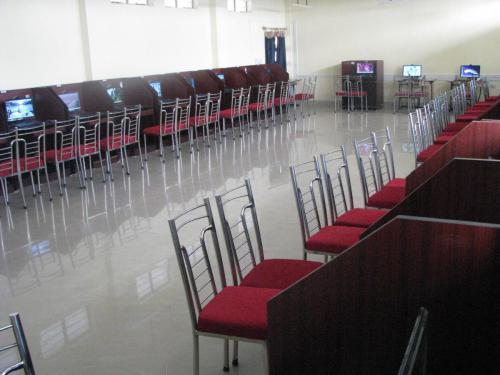 AV Lab (2)