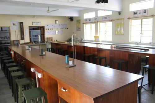 Physics Lab (2)