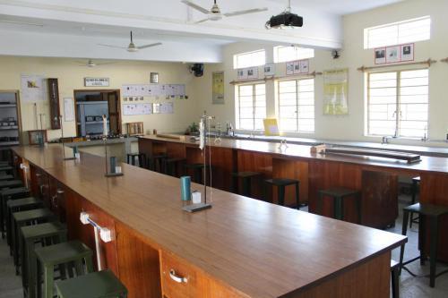 Physics Lab (5)